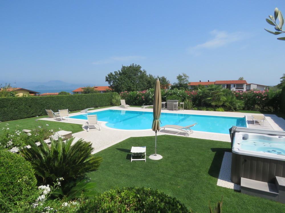 Villa manerba del garda gardasee west kaufen immobilien s dtirol - Vendita villa con piscina genova ...